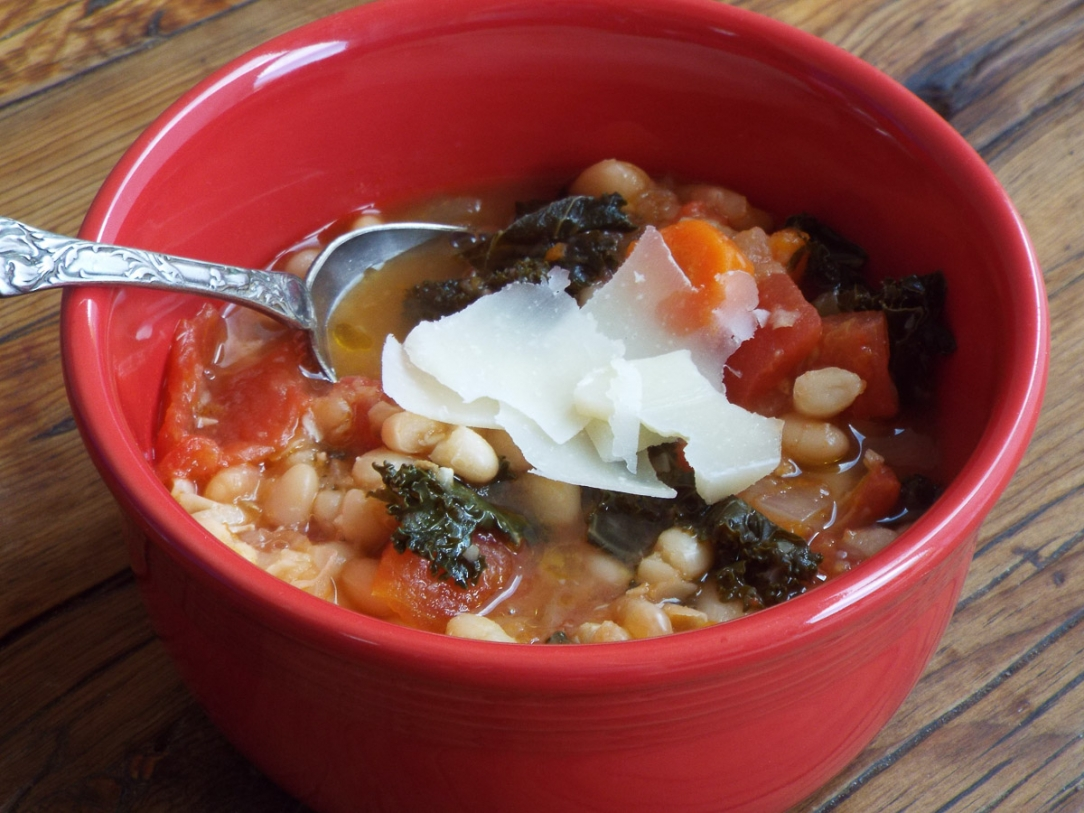 White Bean Soup with Kale recipe